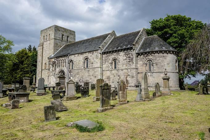 Saint Cuthbert's Kirk, Dalmeny