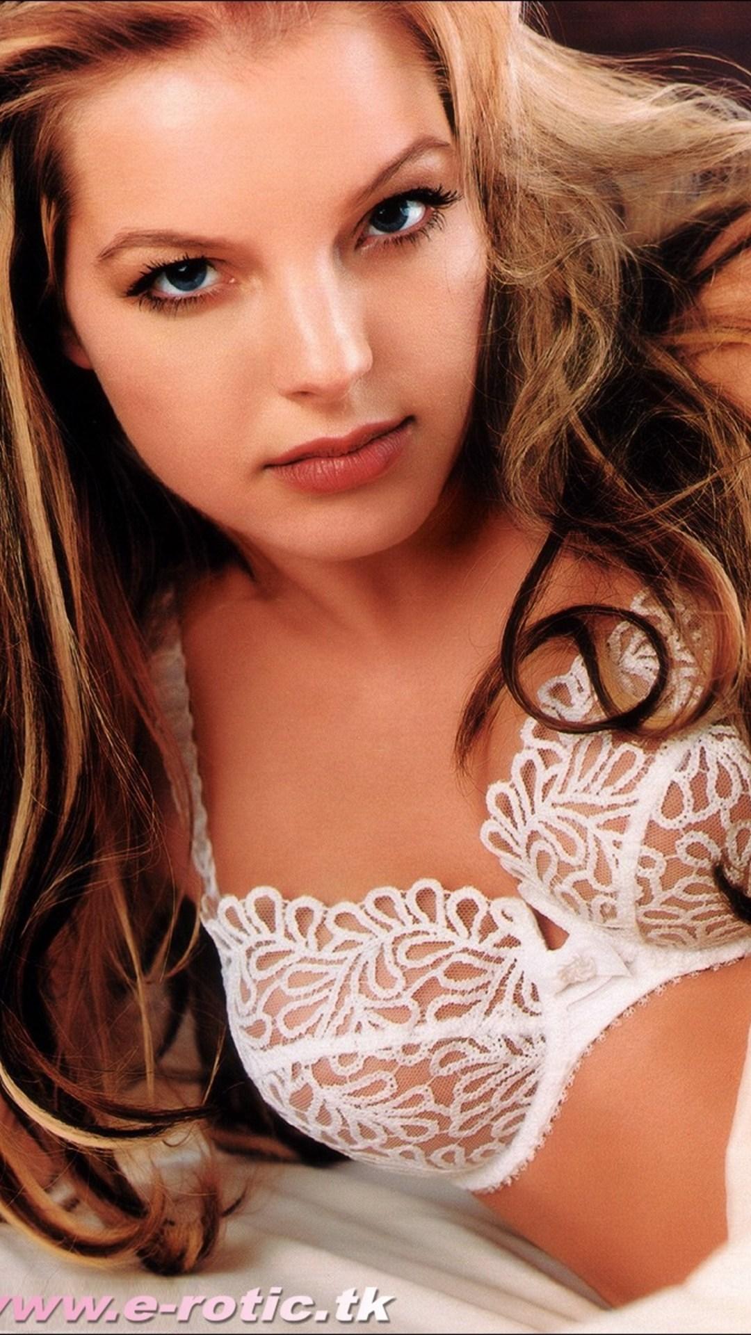 Yvonne Catterfeld Gzsz 05 Nackt Playboy Fhm Maxim on net