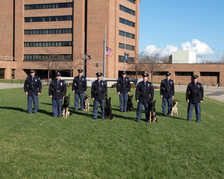 Michigan State Police graduates 6 new canine units