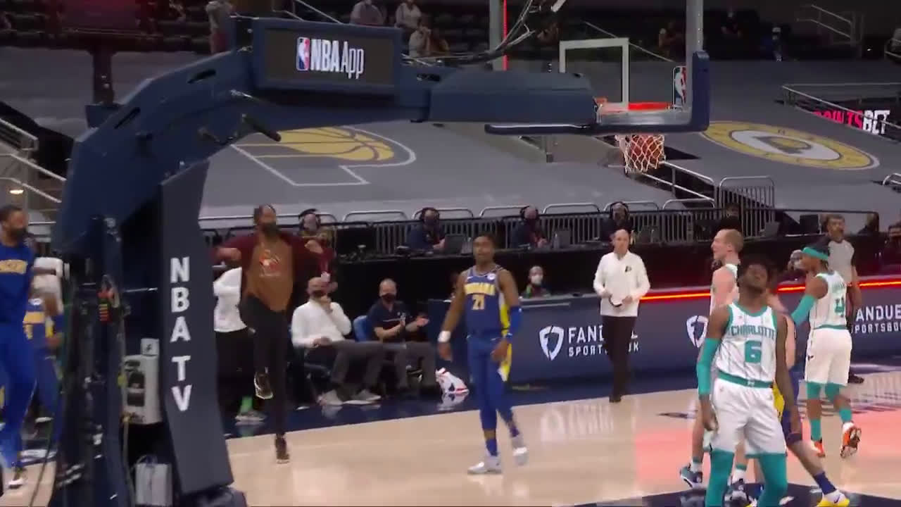 [Highlight] Sumner gets the floater to go to cap off Q1
