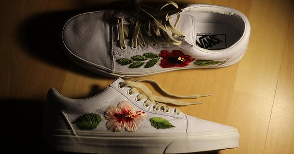 I Cant Afford Gucci Aces So Diyd A Pair Of Vans Streetwear