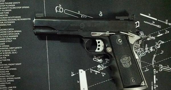 Crikey! A few handguns from Australia  : guns