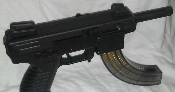 Intratec TEC-22 before her facelift : guns