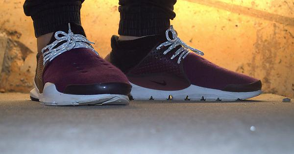 6b41343064e20 Uncaged Nike Sock Dart   Sneakers