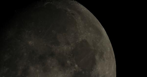 First time photographing the moon (Canon EOS 60D, Meade LX90